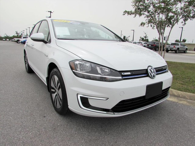 Pre-Owned 2019 Volkswagen e-Golf SE